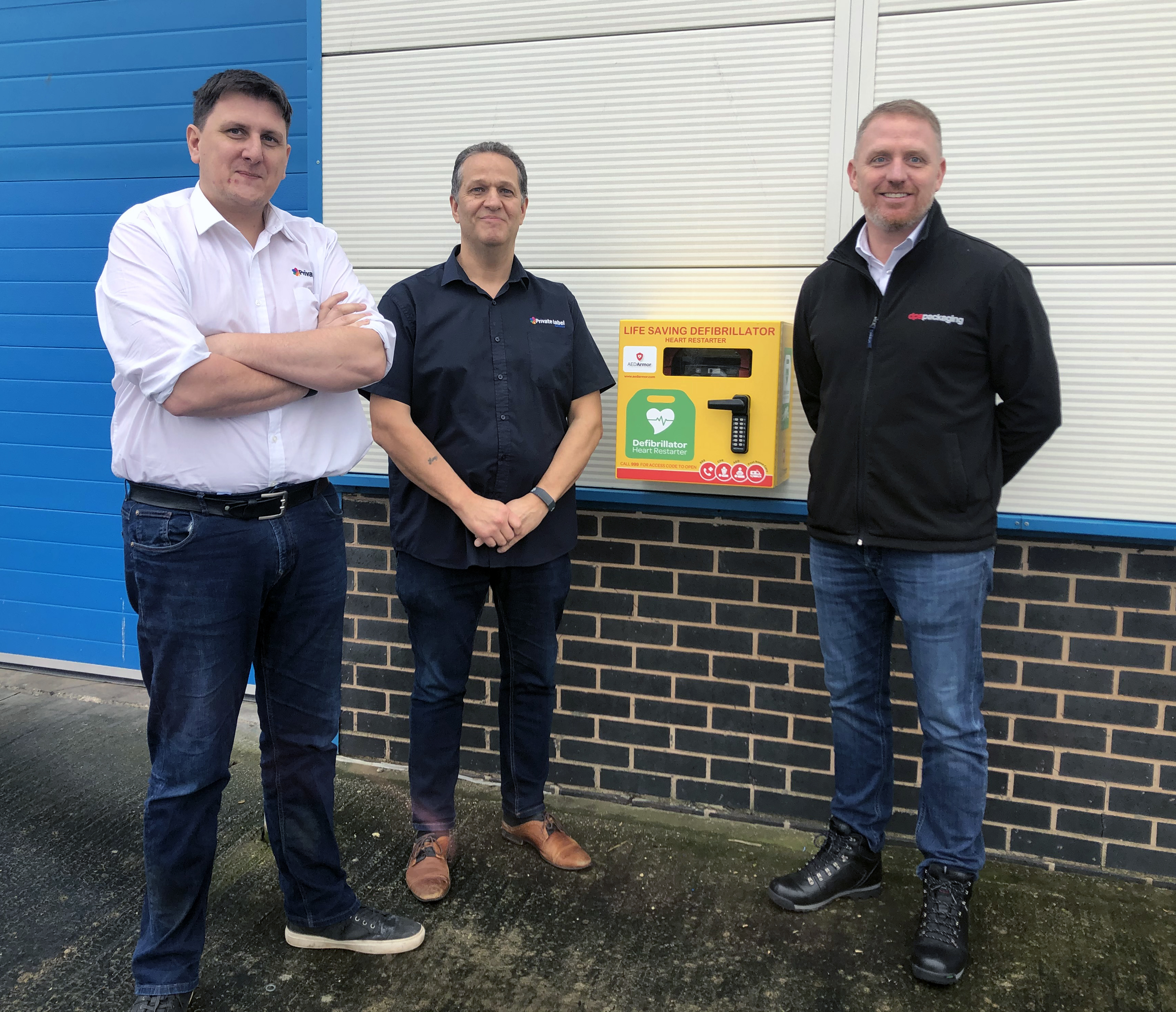 TWO BUSINESS NEIGHBOURS HELP SAVE LIVES WITH NEW PUBLIC ACCESS DEFIBRILLATOR